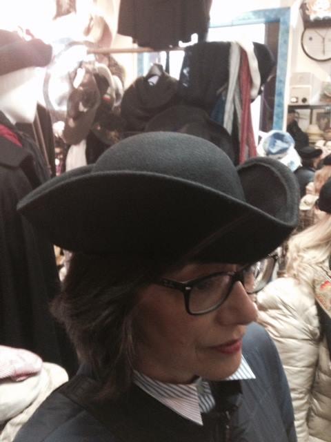 Tricorno veneziano - cappello tricorno vendita - Tabarro San Marco bed1fc0d9453